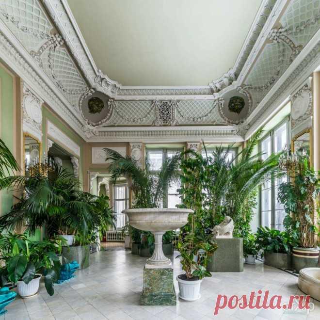 "Interior of the Anichkov Palace in St Petersburg, Russia. ""AL"" \/ Anna Laurendet ha conservado () Pin a la tabla «Palaces ~ Anichkov Palace». \/9760d0c8359c0bce118b89760fb8152f.jpg (la Imagen JPEG, 1200 × 1200 pikselov) - Masshtabirovannoe (54 %)"