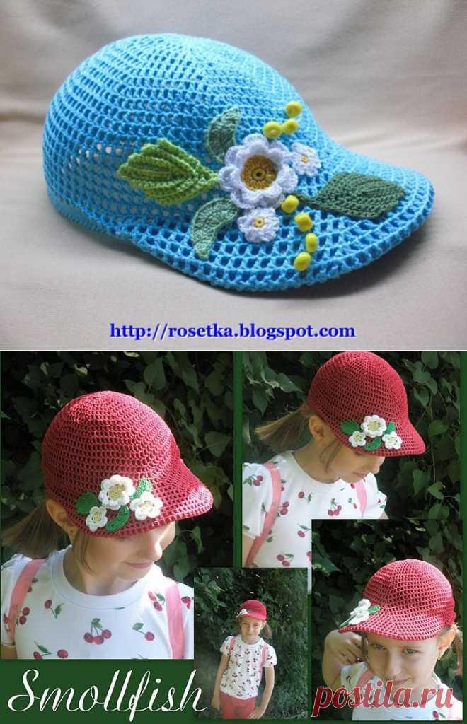 Летняя вязаная кепка для девочки.