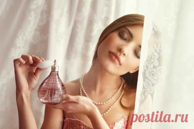 На заметку дамам. Простой трюк помогает закрепить аромат духов на целый день