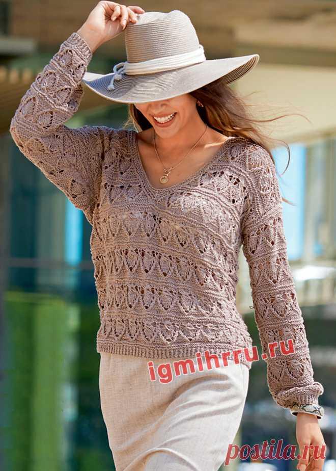 Светло-коричневый ажурный пуловер из льняной пряжи. Вязание спицами со схемами и описанием
