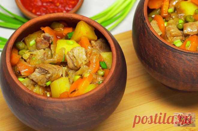 Сочное мясо в горшочках по-домашнему в духовке. Легкий рецепт приготовления.