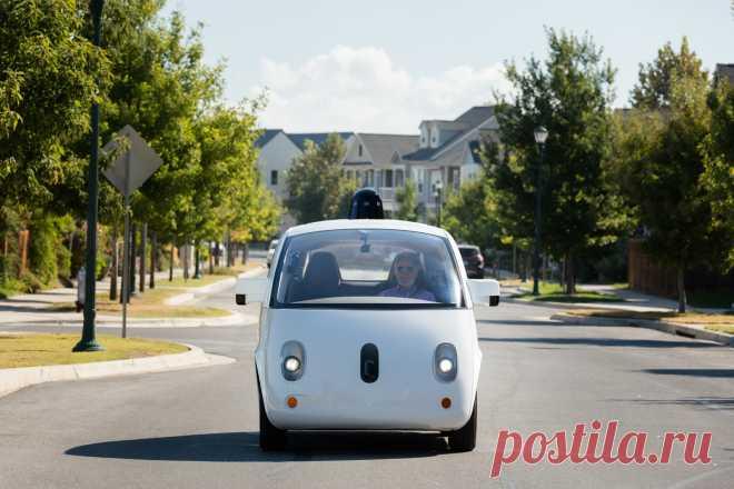 Отвечающий за отношения с транспортным регулятором топ-менеджер Tesla перешёл в Waymo