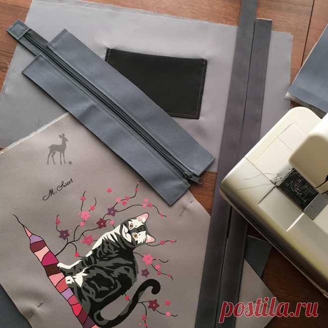 «Кошка Матильда»: репортаж из мастерской И вот я снова приглашаю вас в мастерскую M-Sweet. На этот раз мы вместе увидим, как шьется модель женской сумки «Кошка Матильда». Раскрой будущего изделия закончен.