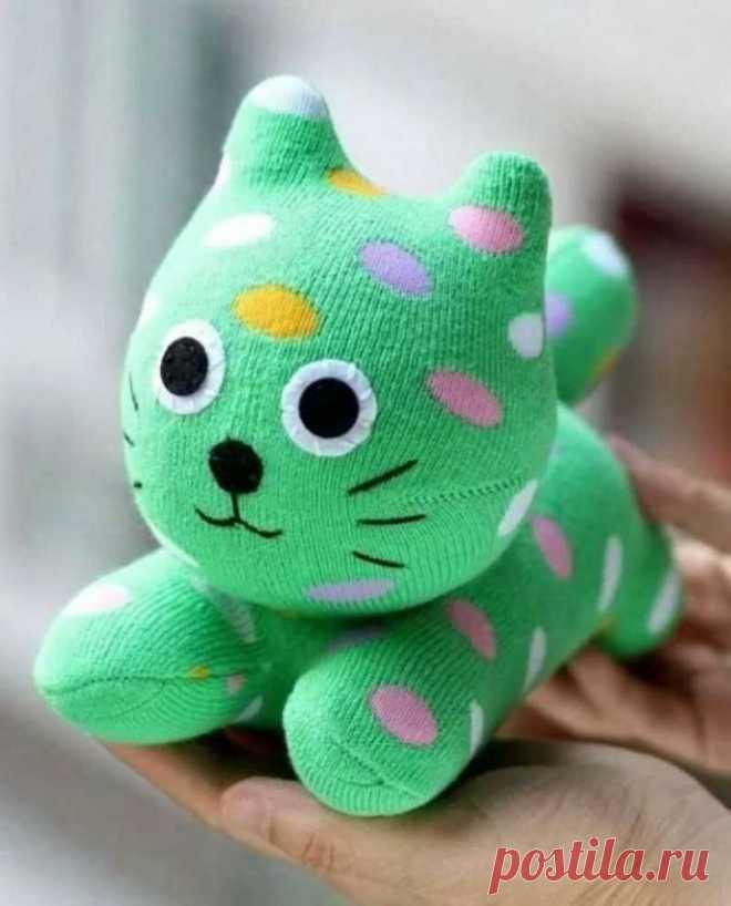 Красивые поделки из носков своими руками - как сделать украшения, игрушки и элементы декора из носков