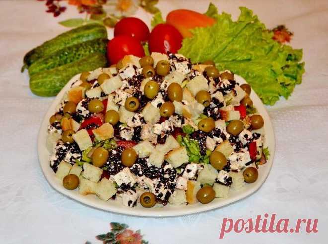 Греческий салат с сухариками и курицей рецепт с фото пошагово - 1000.menu