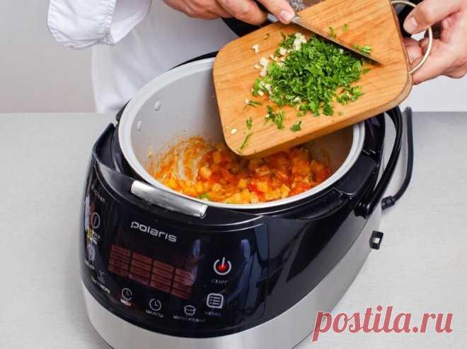 Приготовить борщ в мульварке. Борщ один из самых популярных блюд в русской кухни. Мы расскажем как приготовить наваристый борщ с зеленью и сметаной в...