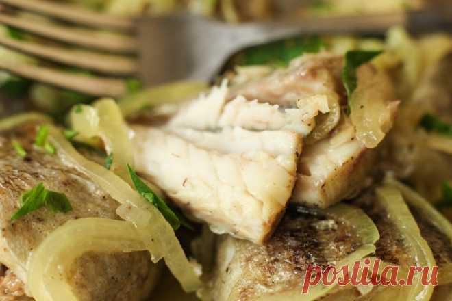 Думаете минтай сухая и невкусная рыба — значит просто не умеете ее готовить: готовлю на сковороде за 15 минут и очень сочно ✨Здравствуйте, меня зовут Оксана! Рада приветствовать всех, кто заглянул на мою страничку. Большое спасибо, что находите время читать мои рецепты! Буду благодарна вашим комментариям и подписке! ✅Минтай — это одна из рыб, находящаяся самой низкой ценовой категории. Нежное... Читай дальше на сайте. Жми подробнее ➡