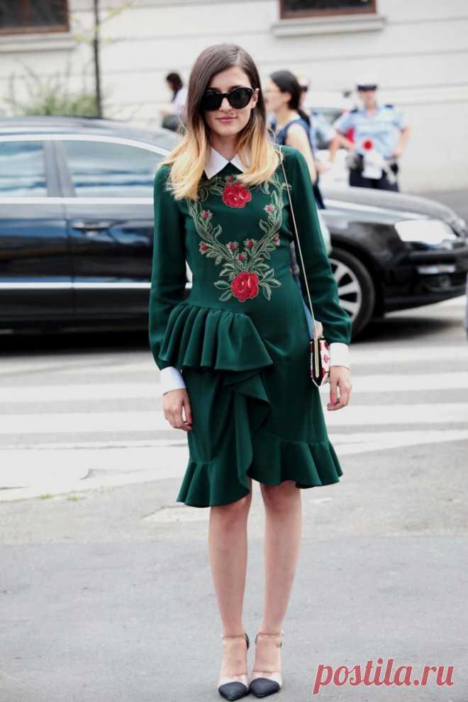 Вышитое платье Moschino  FW 13-14 Модная одежда и дизайн интерьера своими руками