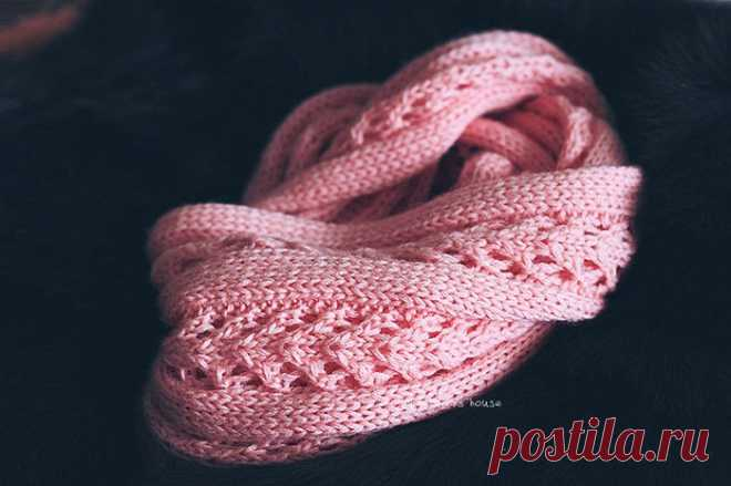 Красивый ажурный снуд вязаный спицами. Простая схема вязания шарфа снуда.  
