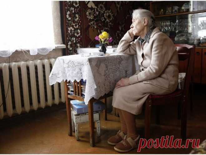 Дарить или завещать недвижимость: что выгоднее? | Закон и порядок Пожилые люди рано или поздно задумываются – что станет с принадлежащей им недвижимостью после их смерти? Если у человека всего 1 наследник или идеальные доверительные отношения с близкими, переживать не о чем.