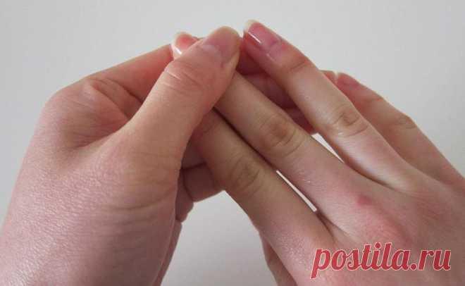 Как избавиться от заусенцев на пальцах рук? 2 простых способа для женщин и мужчин. Такая смесь хорошо оздоравливает кутикулу и укрепляет её.