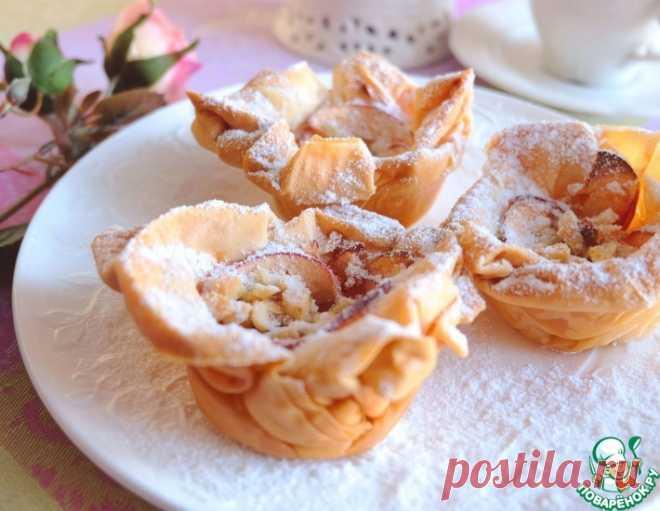 Слоёные корзиночки с яблоками и орехами – кулинарный рецепт