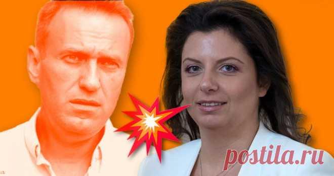 Маргарита Симоньян назвала Навального «рыхленьким *****болом» А он её «боброедкой».