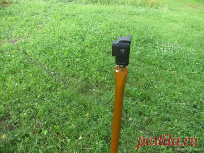 Ну очень простой штатив/стойка под GoPro Всем привет, задумался над тем, как снимать видео в лесу, как пример, съемка работы с металлоискателем, раскопок и так далее. На себе камеру не поцепишь, пока будет копать, будет закрываться кадр, все будет прыгать и так далее. Тут нужна стойка, причем легкая, мобильная, чтобы можно было таскать