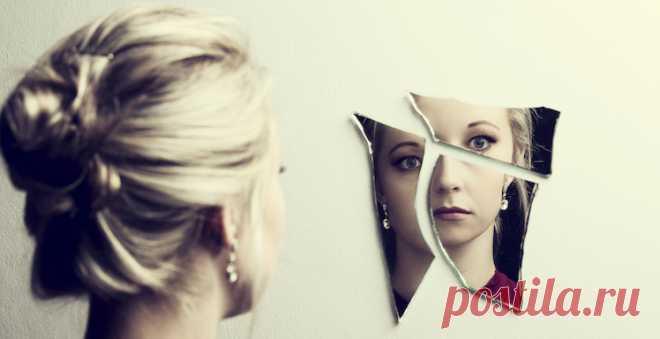 Дисморфофобия.У всех нас есть дни, когда мы чувствуем себя неуверенно в отношении определенного аспекта нашей внешности или думаем, что мы не выглядим лучшим образом. Но если вы замечаете, что тратите много времени на навязчивую идею скрыть или исправить то, что вы считаете недостатками, у вас может быть дисморфическое расстройство тела (ДРТ или дисморфофобия) → LIFETY.RU ←