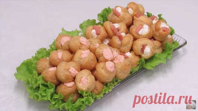 Закусочные эклеры с начинкой из красной рыбы и сливочного сыра