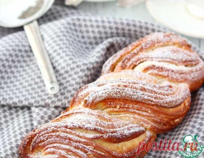 Творожная плетёнка с сахаром и орехами – кулинарный рецепт