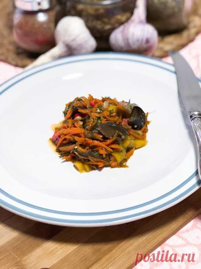 Осенний салат из баклажанов