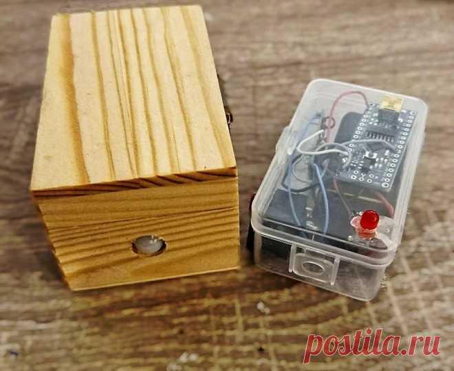 Беспроводная система сигнализации с датчиком движения В этой статье мастер-самодельщик расскажет нам, как сделать беспроводную систему сигнализации. Система работает с помощью датчика движения и имеет передатчик и приемник. По сути, это довольно простая беспроводная система сигнализации движения со световой индикацией. Это простой проект, который