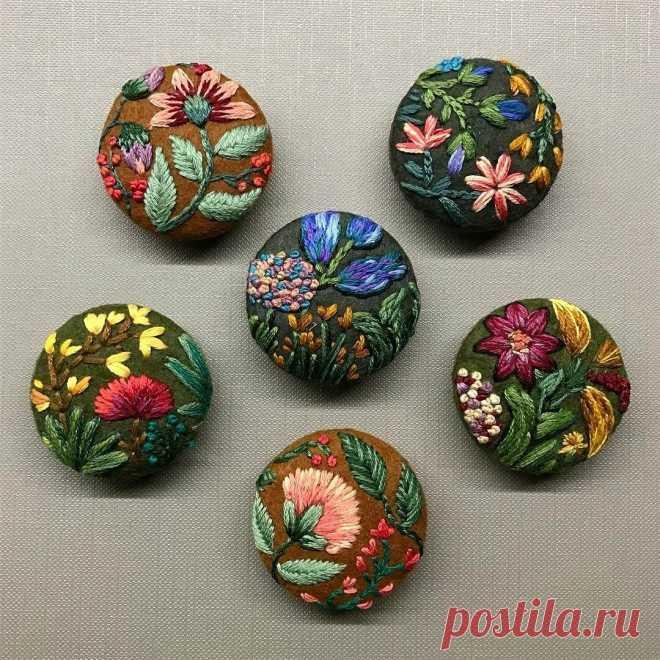 Элемент декора: пуговицы с вышивкой. Схемы и идеи   Создавай сам   Яндекс Дзен