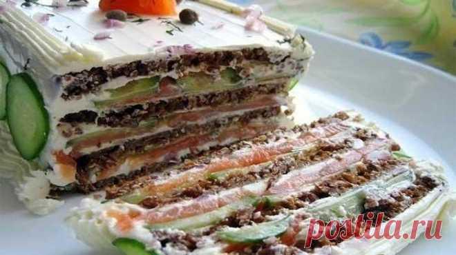 Бутербродный торт - оригинальный микс закуски и салата Бутербродный торт – это оригинальная и вкусная альтернатива привычным салатам оливье, цезарям и селедкам под шубой. А как приятно удивить гостей!