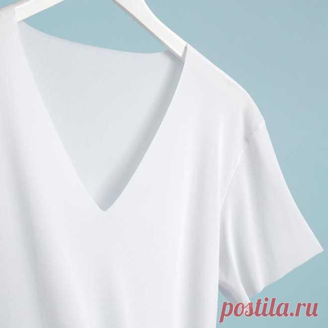 Какие футболки в моде этим летом: топ-5 вариантов  На что обратить внимание при выборе футболки и как комбинировать самые модные варианты футболок этим летом — в нашем обзоре. Как выбрать футболку: общие рекомендации — Выбирайте футболку так, чтобы о…