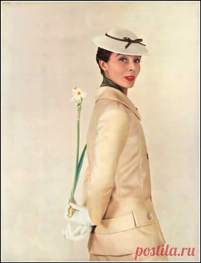 Bettina Graziani, photo by Lionel Kazan used for the cover of Nouveau Femina, March 1955