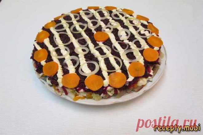 Салат под «шубой» с салакой – простой и вкусный рецепт