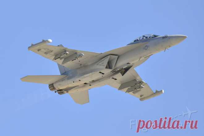 Фото USN EA18 (N500) - FlightAware