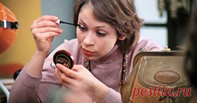 Косметика СССР: как красились советские женщины Какой косметикой пользовались советские женщины