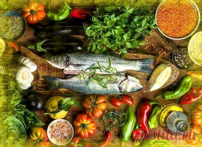 Песко – лучшая диета для здоровья или Почему средиземноморцы живут так долго На самом деле Песко – не совсем диета. Это просто такая традиционная кухня. Жители побережья средиземного моря придумывали свои блюда, опираясь не на исследования диетологов (в те времена их еще не было), а на практический подход. Они просто готовили и ели то, что давала им природа. А природа в тех местах хоть не самая щедрая […] Читай дальше на сайте. Жми подробнее ➡