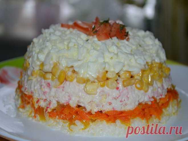Праздничный салатик с крабовым мясом