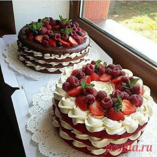 Торт Красный бархат Для коржей: 🔹2 стакана муки⠀ 🔹2 ст ложки какао⠀ 🔹1 ч ложки соли⠀ 🔹100 гр сливочного масла⠀ 🔹250 гр сахара(либо 1 полный стакан)⠀ 🔹2 яйца⠀ 🔹1 ч л