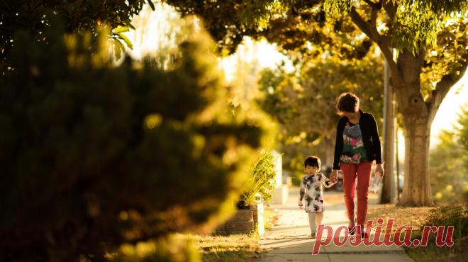 Психолог Нина Ливенцова рассказывает о самых распространенных ошибках родителей и даст маркеры, по которым легко понять, насколько успешно проходит адаптация.