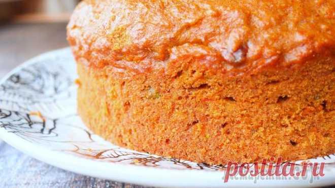 Сочный яблочный пирог Ингредиенты:яблоки - 200 г.морковь — 200 г.мука — 300 г.яйца — 3 шт.сахар — 50 г.растительное масло — 150 мл.корица — 2 ч.лорехи — 40 г.разрыхлитель — 1 ч.лПриготовление:1. На мелкой терке натереть яб...