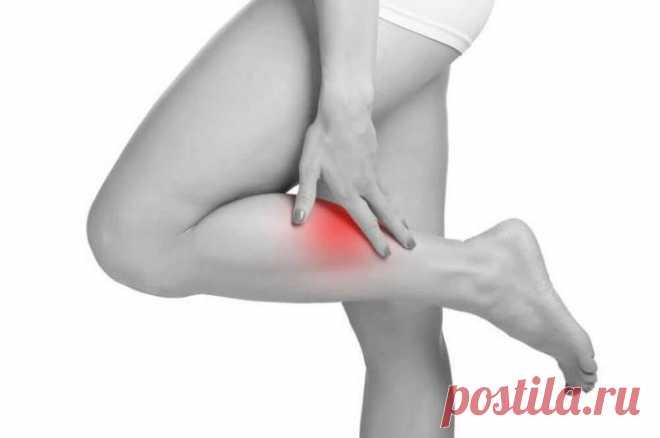Можно ли предотвратить судороги в ногах Судороги могут возникнуть и у вполне здорового человека (часто в икроножной мышце) в результате длительной ходьбы, а также во время плавания.Судороги — это внезапные непроизвольные мышечные сокращения...