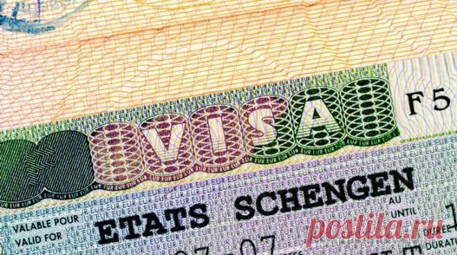 Жители Донбасса с российскими паспортами получают визы Германии Жители самопровозглашенных Донецкой и Луганской народных республик (ДНР и ЛНР) получают немецкие визы в свои новые российские паспорта. Это происходит не смотря на то, что федеральный канцлер Ангела М...