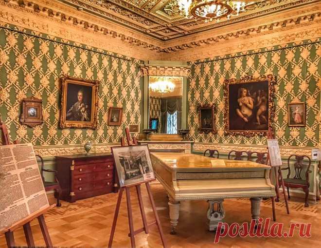 Лепная гостиная Фонтанного дома (Санкт-Петербург).