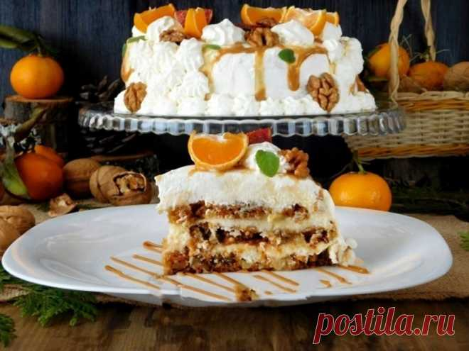 Cake with gentle and fragrant carrot cake layers, with a layer from salty caramel and butter cream