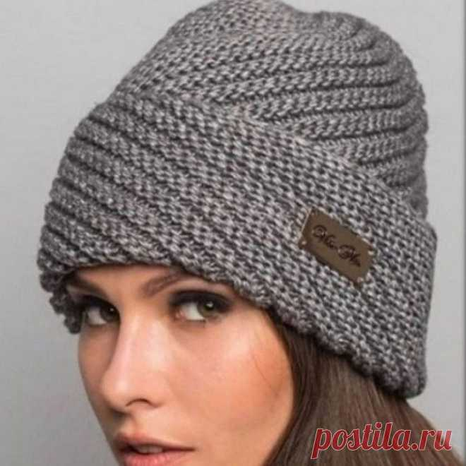 Симпатичная шапочка, вяжем спицами