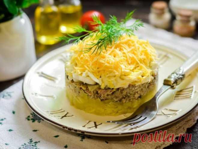 Рыбный салат с сайрой