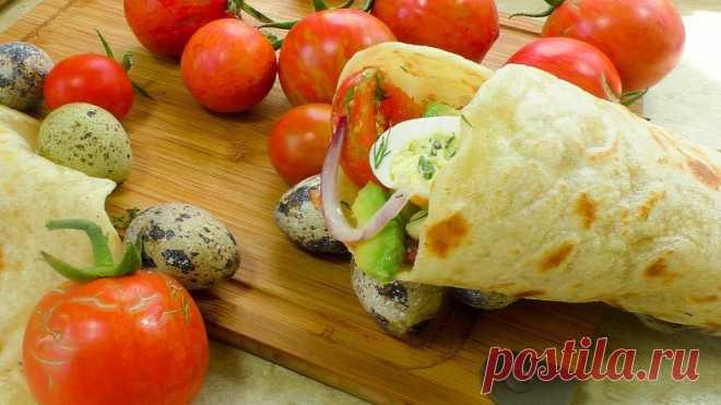 Летняя закуска в лаваше со свежими овощами