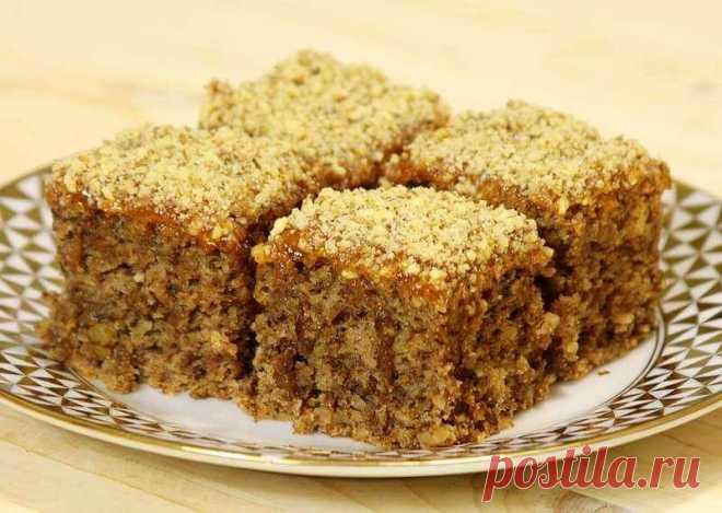 Вкусный постный пирог с орехами и вареньем - очень удачный и бюджетный рецепт - Ladiesvenue.ru Нежный и на удивление вкусный пирог без молока и яиц из ингредиентов, которые есть в каждом доме. Очень быстро и легко печется, а съедается мигом — просто попробуйте! Невероятно ароматный постный пирог «Монастырский» можно приготовить легко, не тратя много своего времени. А вы знали, что сладкое лакомство можно приготовить без масла и яиц? Тогда предлагаем […]