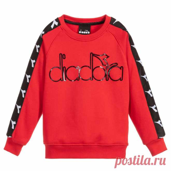 Boys Red Logo Sweatshirt Boys red cotton jersey sweatshirt byDiadora, with a fleecy lining. It has a black rubberised logo on the chest, and black and white branded tapes on the sleeves.