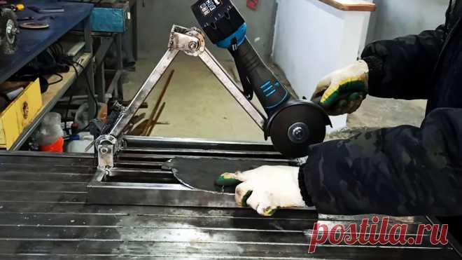 Как из велосипедных втулок сделать торцовочную пилу с протяжкой для болгарки Для быстрого и точного раскроя металлических заготовок удобно использовать торцовочную пилу с протяжкой. Так как это не дешевый инструмент, то можно просто сделать специальную станину под установку на нее болгарки. Такое приспособление практически полноценно заменяет торцовку.Материалы:передние