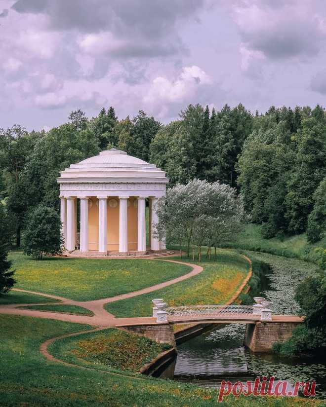 Павильон «Храм Дружбы» в Павловском парке  julia__ofitserova