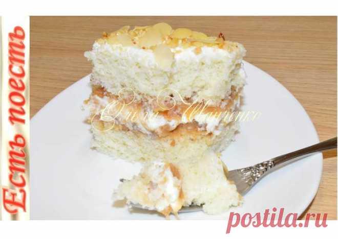 Торт яблочный: выпекается с начинкой