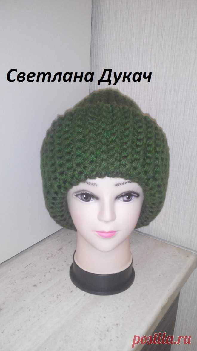 вязаная женская шапка из толстой пряжи спицами шапка бини из толстых