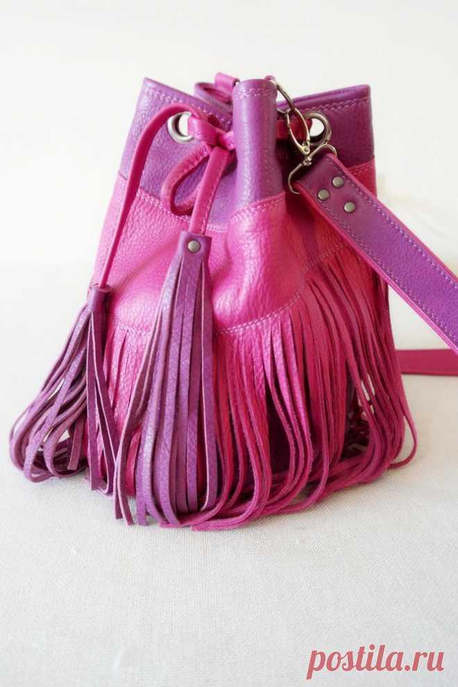 761e9ddf4d5d Шьем кожаную сумку-торбу с бахромой | Сумки своими руками | Постила