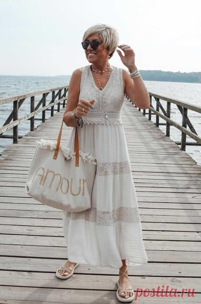 Кружевное платье - модный тренд: на что обратить внимание, чтобы выглядеть в нем стильно